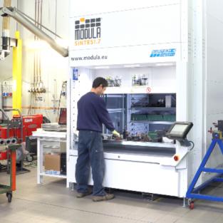 Onderhoud en service van verticale opslagsystemen